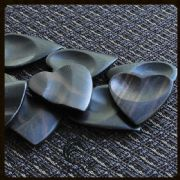 Heart Tones - Ebony - 1 Guitar Pick | Timber Tones